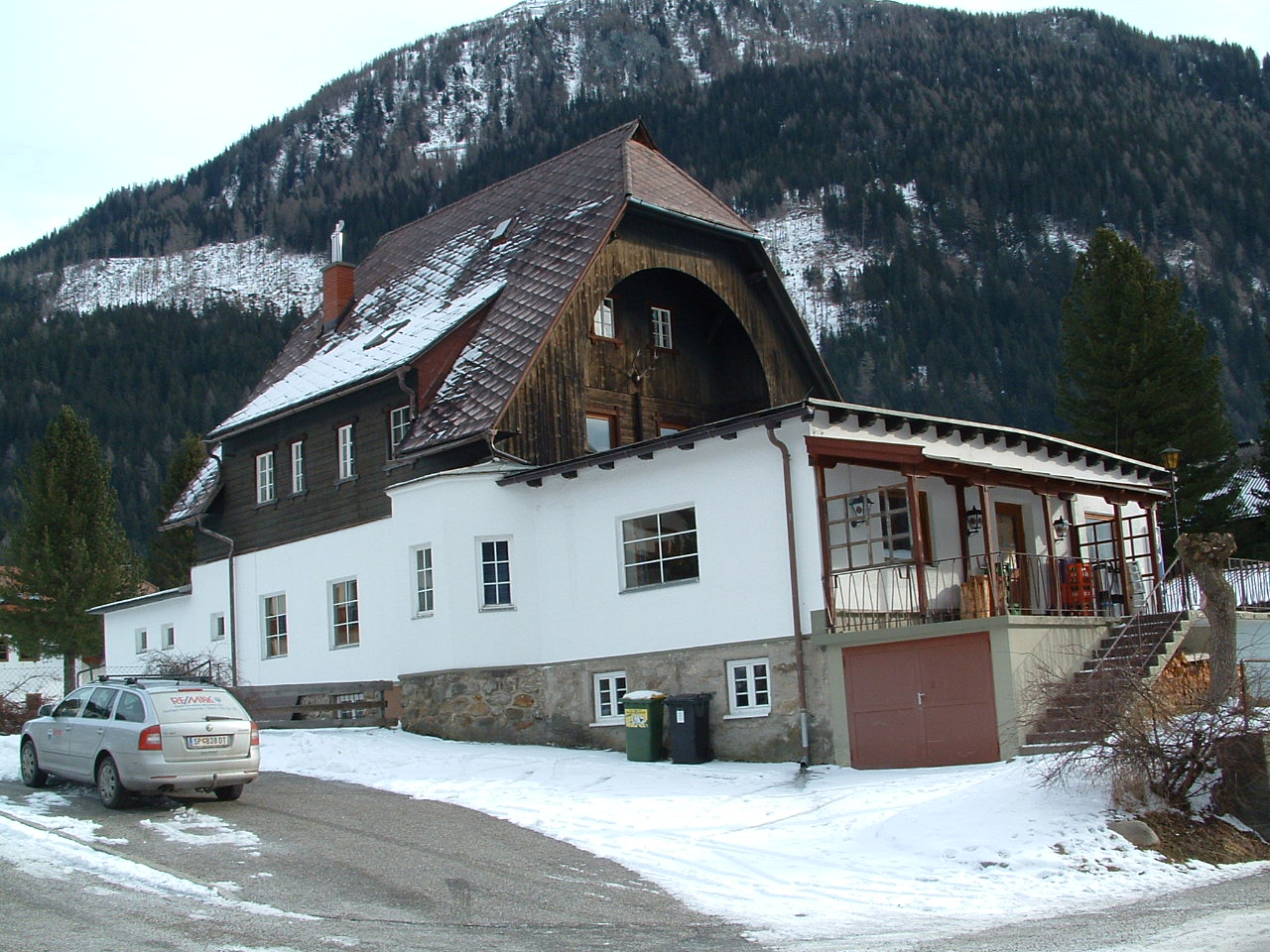 Cafe Ankogel, Bar & Disco plus Accomodation