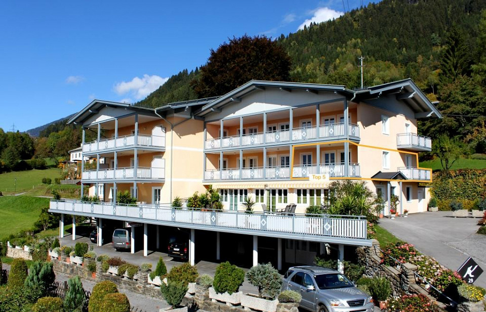 1 bedroom holiday apartment in Sappl overlooking Lake Millstatt